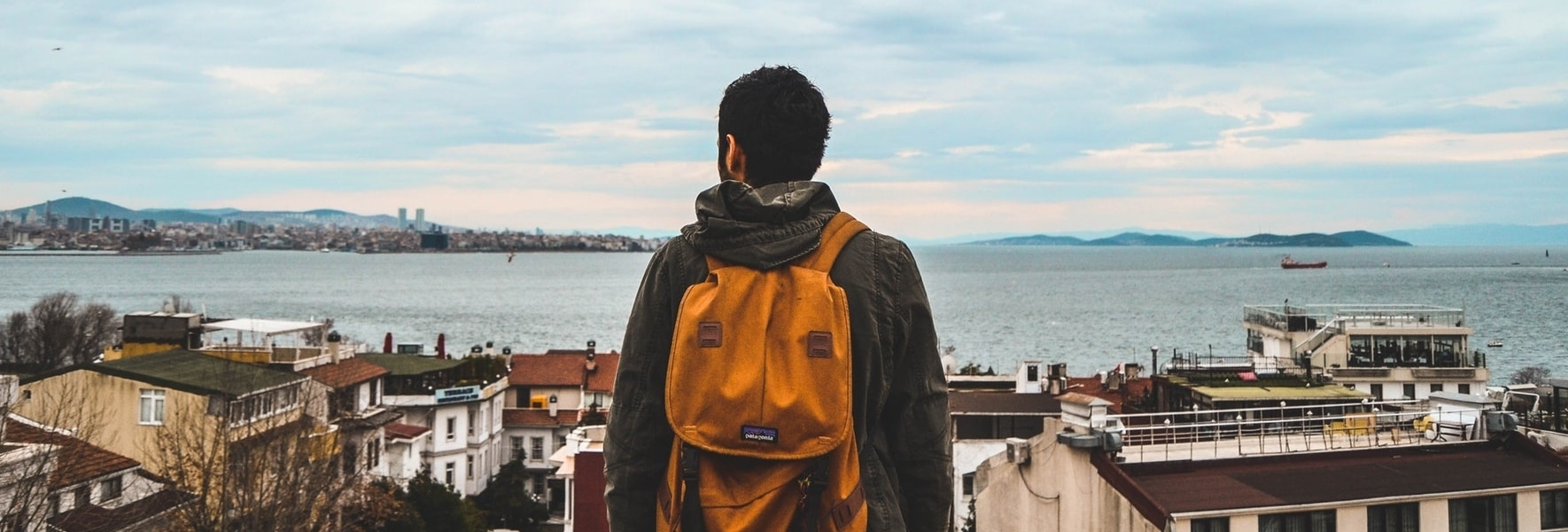 How to Make Friends while Traveling Solo like a Badass